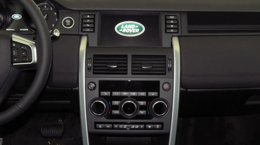 2019 Land Rover Discovery Sport COURTESY VEHICLE  - 18406093 - 13