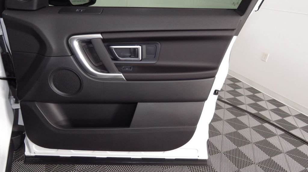 2019 Land Rover Discovery Sport COURTESY VEHICLE  - 18406093 - 24