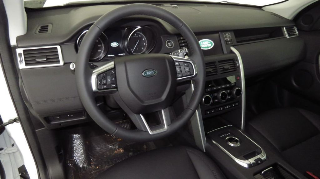 2019 Land Rover Discovery Sport COURTESY VEHICLE  - 18406093 - 8