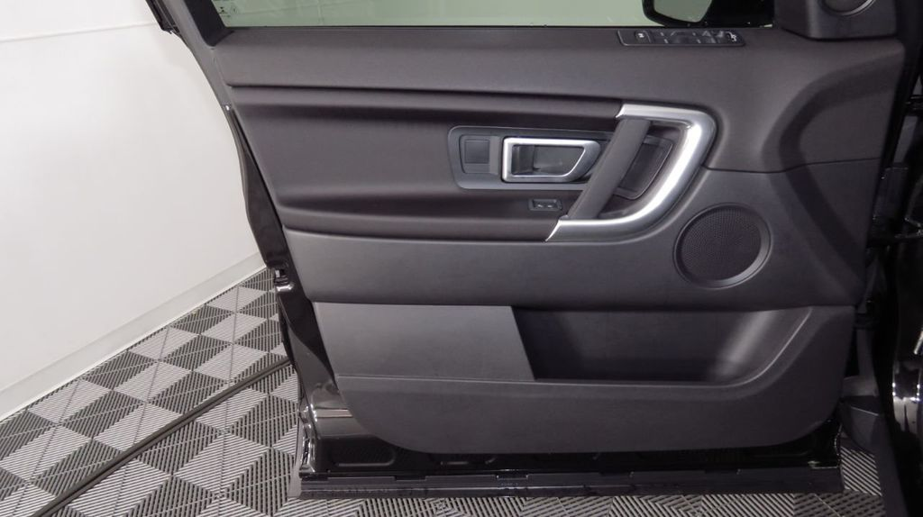2019 Land Rover Discovery Sport SE 4WD - 18368141 - 25
