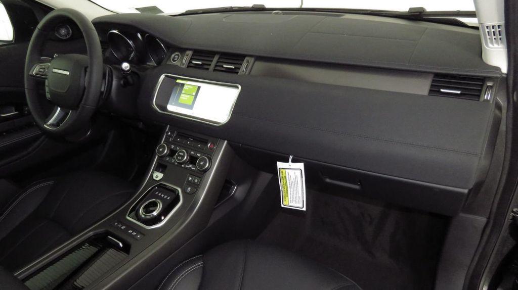 2019 Land Rover Range Rover Evoque 5 Door HSE - 18470409 - 17
