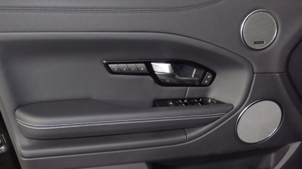 2019 Land Rover Range Rover Evoque 5 Door HSE - 18470409 - 23
