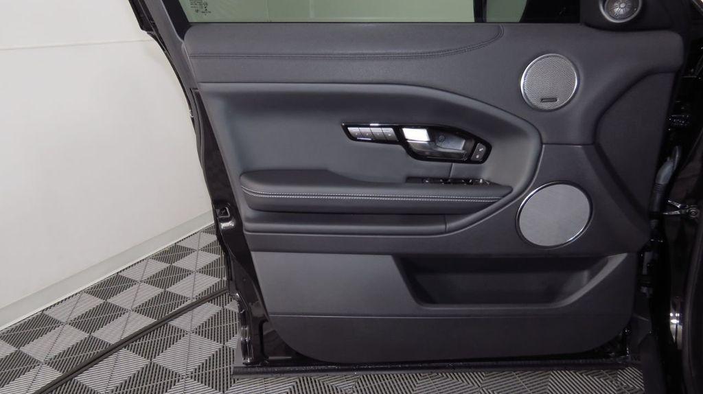 2019 Land Rover Range Rover Evoque 5 Door HSE - 18470409 - 24