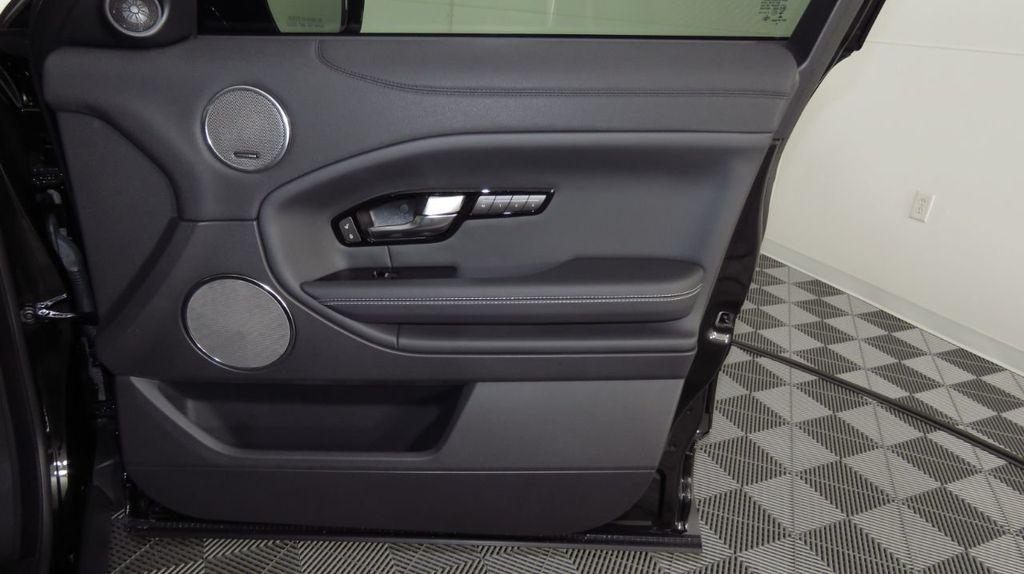 2019 Land Rover Range Rover Evoque 5 Door HSE - 18470409 - 25