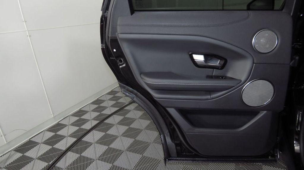 2019 Land Rover Range Rover Evoque 5 Door HSE - 18470409 - 26