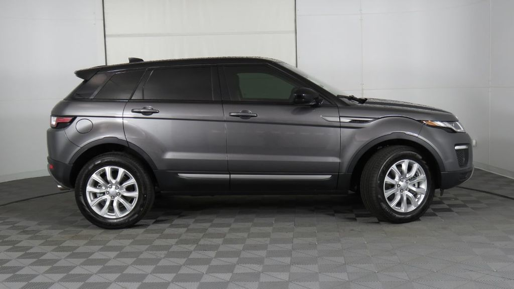 2019 Land Rover Range Rover Evoque 5 Door SE - 18677820 - 4