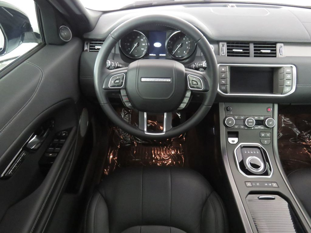 2019 Land Rover Range Rover Evoque COURTESY VEHICLE - 18859984 - 9