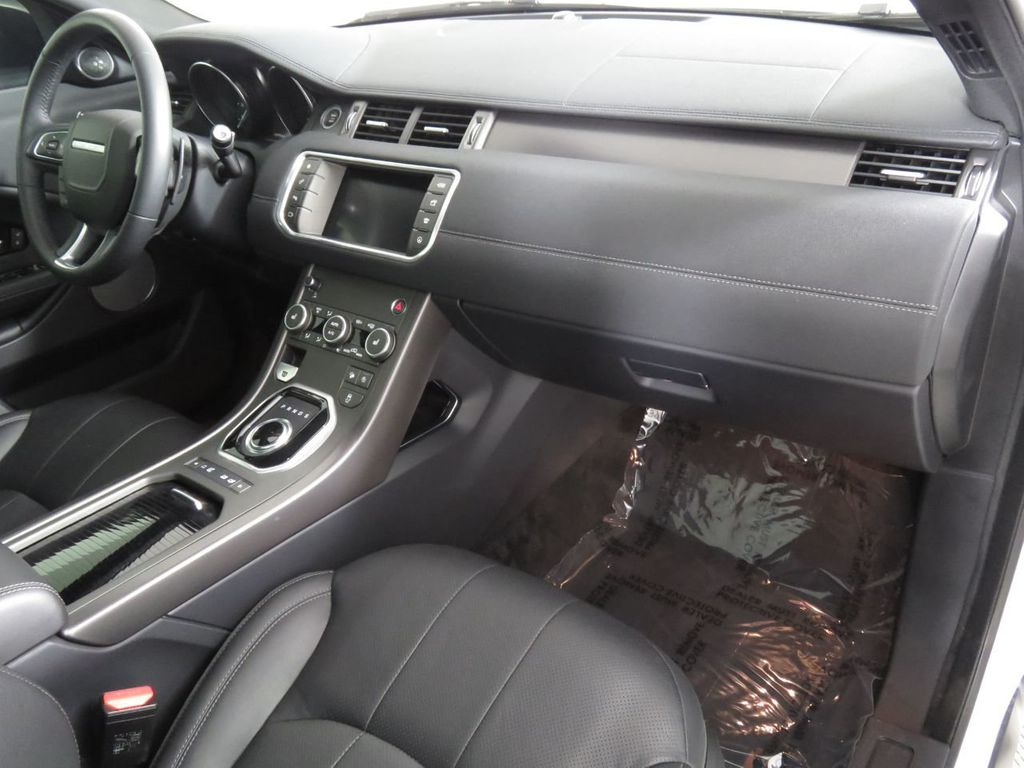 2019 Land Rover Range Rover Evoque COURTESY VEHICLE - 18859984 - 17