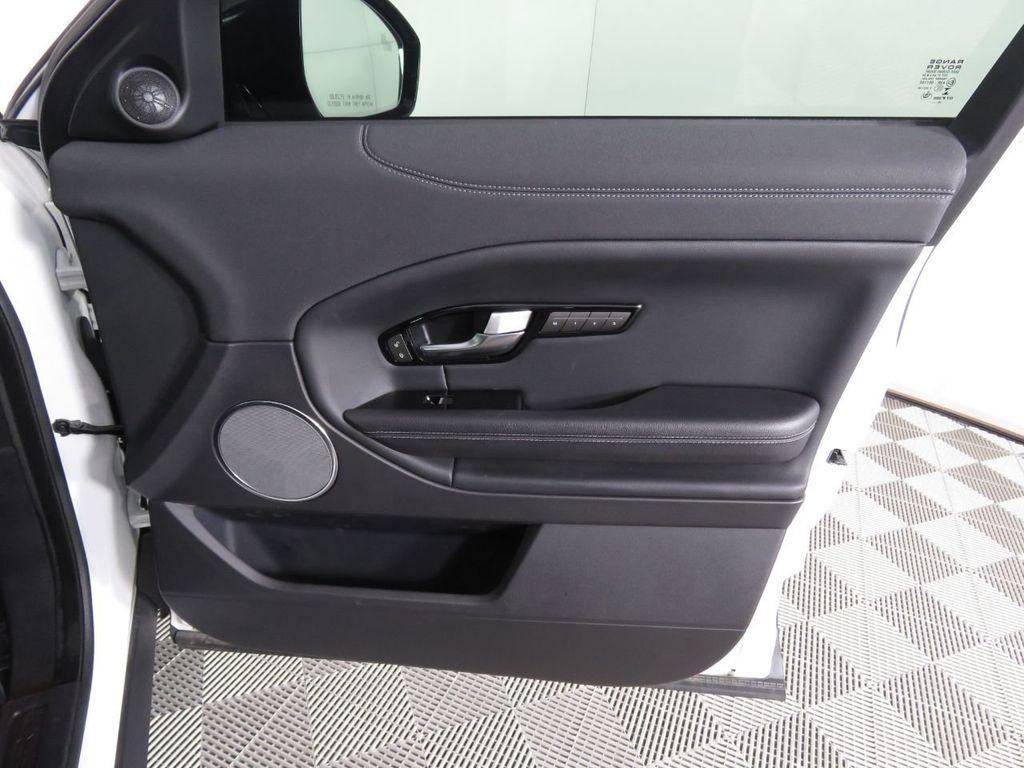 2019 Land Rover Range Rover Evoque COURTESY VEHICLE - 18859984 - 25
