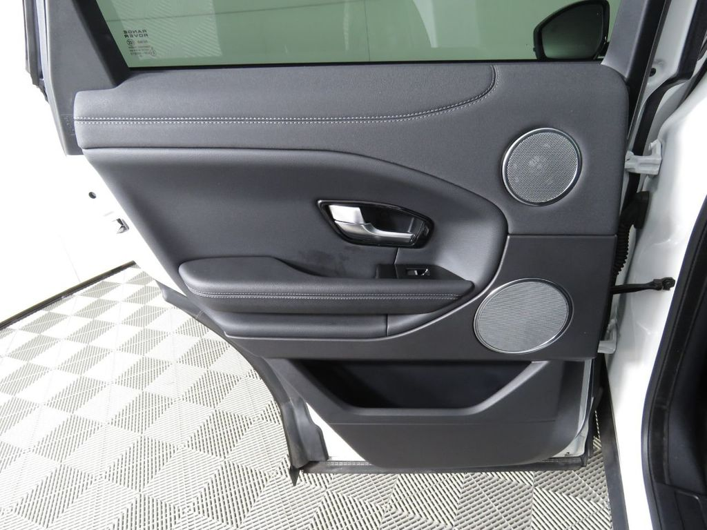 2019 Land Rover Range Rover Evoque COURTESY VEHICLE - 18859984 - 26