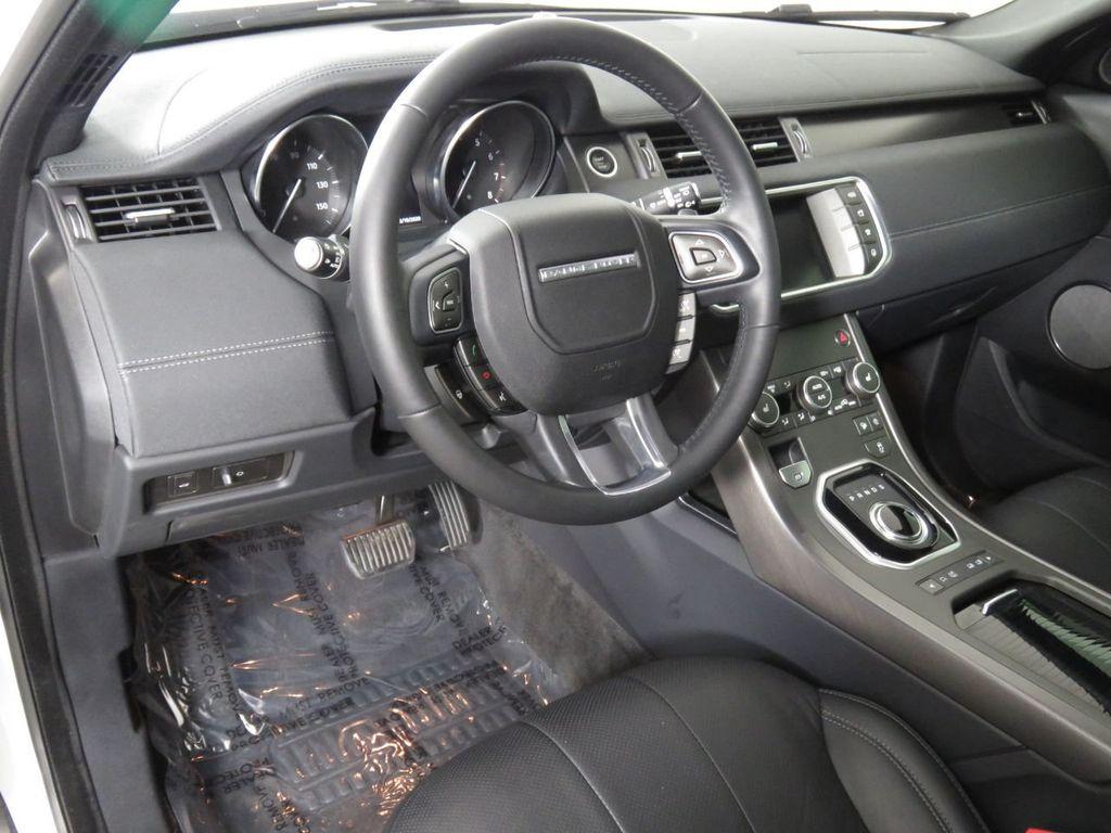 2019 Land Rover Range Rover Evoque COURTESY VEHICLE - 18859984 - 8