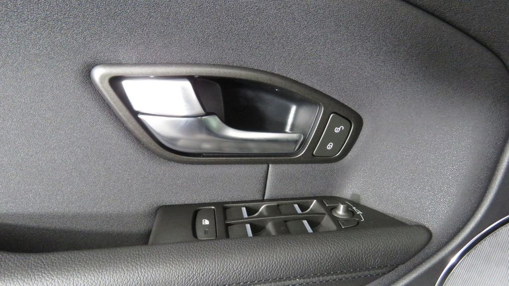 2019 Land Rover Range Rover Evoque COURTESY VEHICLE  - 18671128 - 24