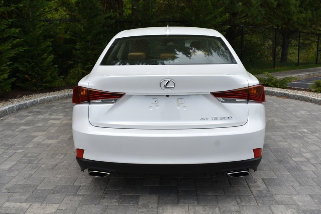 2019 Lexus IS IS 300 AWD - 18936863 - 3
