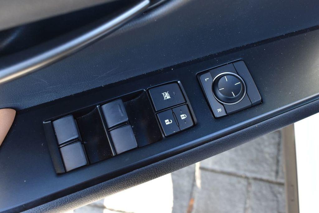 2019 Lexus UX UX 250h AWD - 18642754 - 17