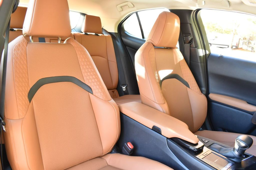 2019 Lexus UX UX 250h AWD - 18642754 - 23