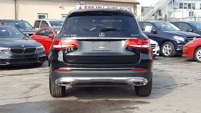 2019 Mercedes-Benz GLC (Cosmetically As Is) 300 4MATIC SUV - 18169649 - 4