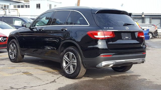 2019 Mercedes-Benz GLC (Cosmetically As Is) 300 4MATIC SUV - 18169649 - 5