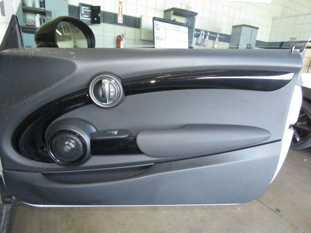 2019 MINI Cooper S Hardtop 2 Door COURTESY VEHICLE - 18884826 - 24