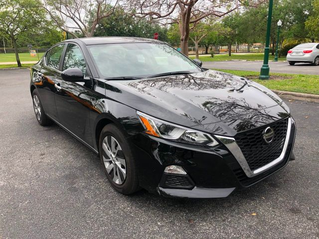 2019 Nissan Altima 2.5 S Sedan - Click to see full-size photo viewer