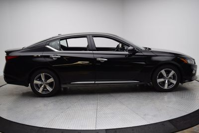 2019 Nissan Altima 2.5 SV Sedan - Click to see full-size photo viewer