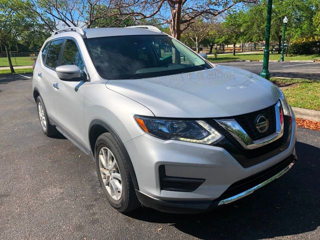 2019 Nissan Rogue FWD SV - Click to see full-size photo viewer