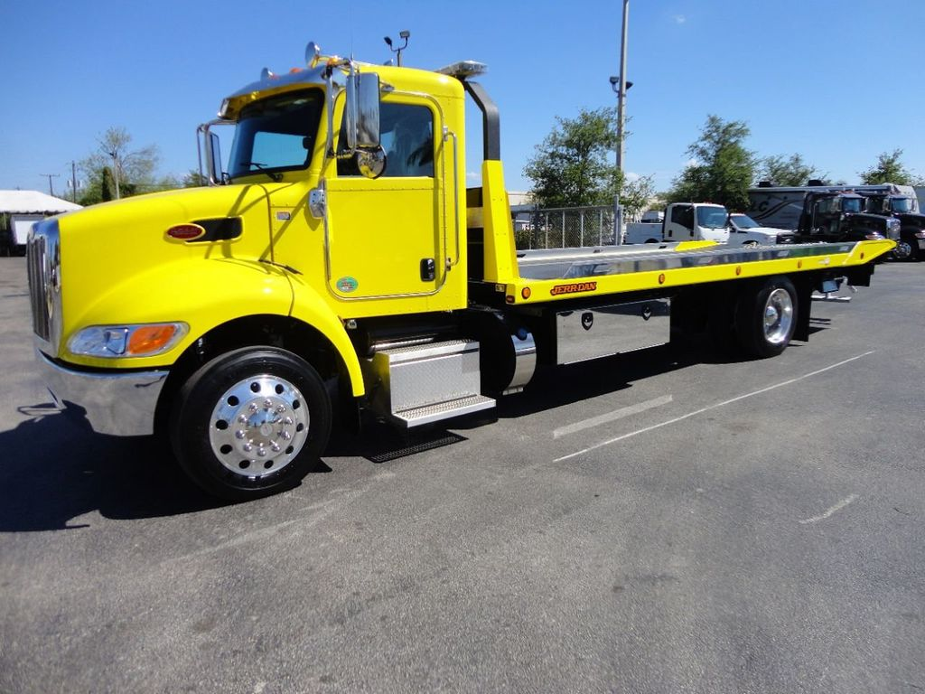 2019 Peterbilt 337 ..AIR BRAKE..AIR RIDE SUS.22SRRD6T-W-LP SHARK ROLLBACK - 17431679 - 0