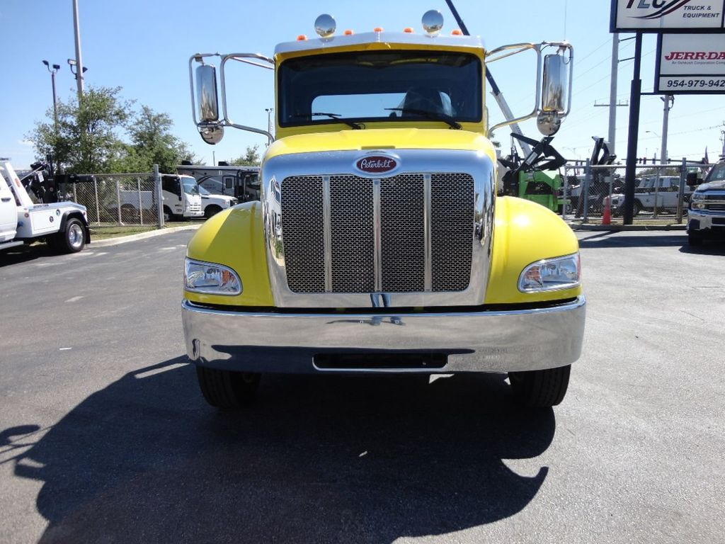 2019 Peterbilt 337 ..AIR BRAKE..AIR RIDE SUS.22SRRD6T-W-LP SHARK ROLLBACK - 17431679 - 3