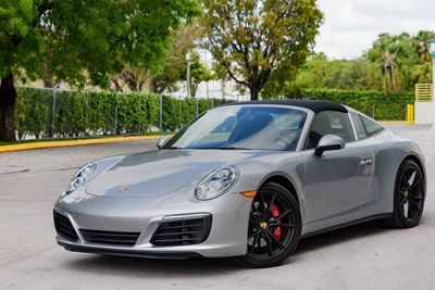 2019 Porsche 911 Targa 4S - Click to see full-size photo viewer