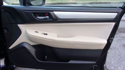 2019 Subaru Outback 2.5i Premium - Click to see full-size photo viewer