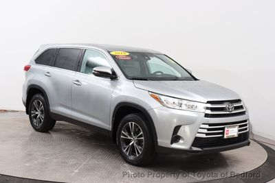 2019 Toyota Highlander LE I4 FWD SUV - Click to see full-size photo viewer