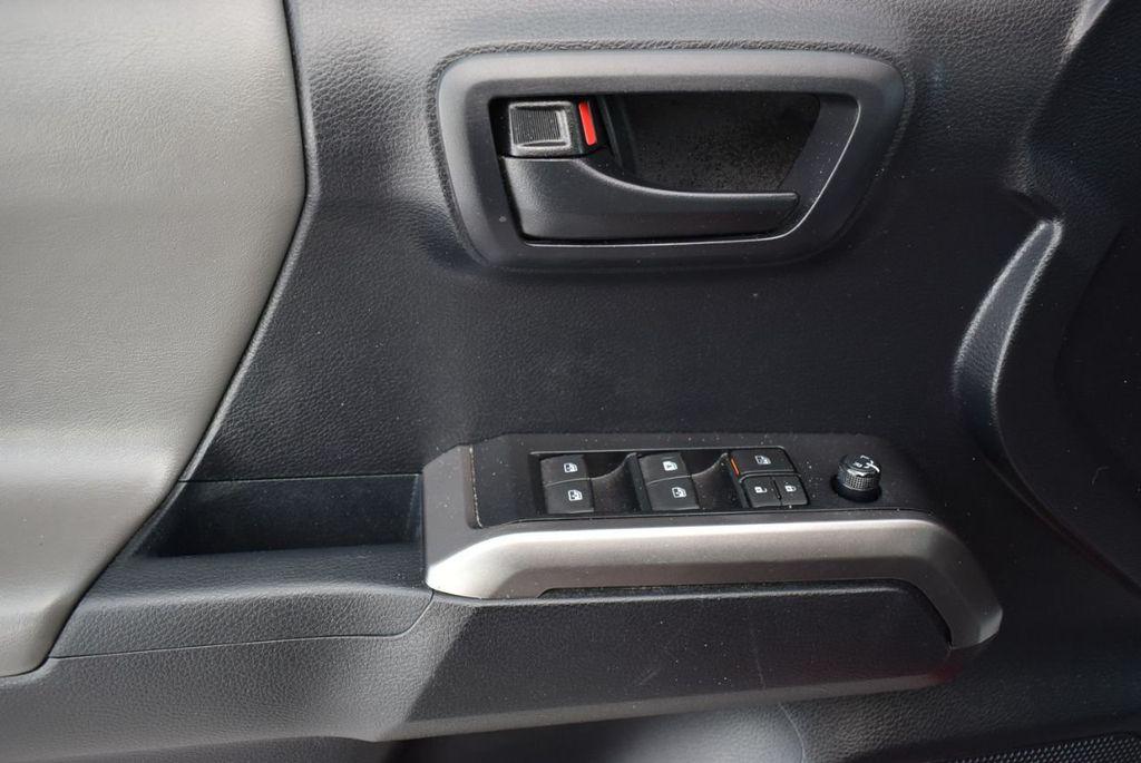 2019 Toyota Tacoma  - 18712671 - 13