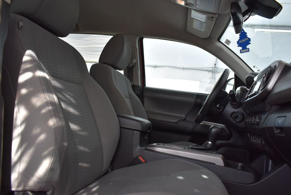 2019 Toyota Tacoma  - 18712671 - 14