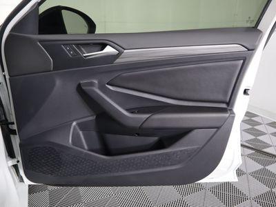 2019 Volkswagen Jetta  Sedan - Click to see full-size photo viewer